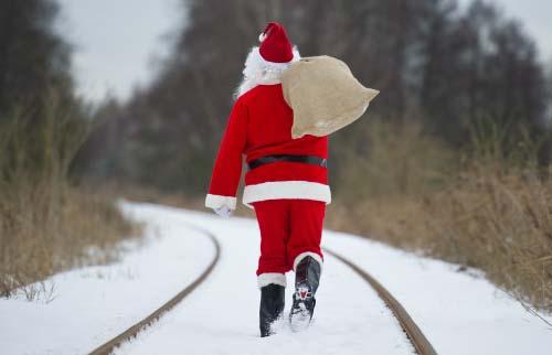 Immagini di Natale Babbo Natale nella neve