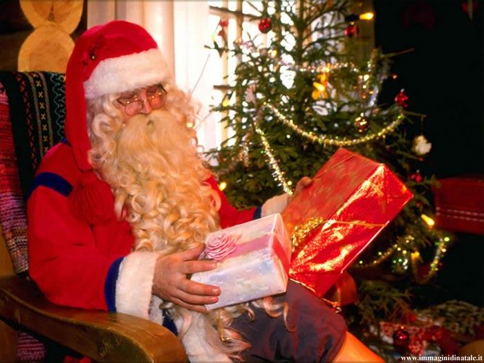 Immagini Babbo Natale: Babbo natale con regali